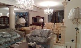 Interior elegante en el estilo del comienzo del siglo XVIII Imágenes de archivo libres de regalías