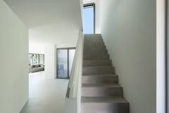 Interior, escalera del cemento imágenes de archivo libres de regalías
