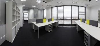 Interior a estrenar blanco de la oficina Imagen de archivo