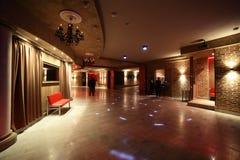Interior europeo hermoso del club de noche Foto de archivo libre de regalías