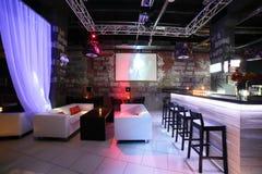 Interior europeo hermoso del club de noche Foto de archivo