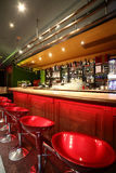 Interior europeo hermoso del club de noche Fotos de archivo libres de regalías