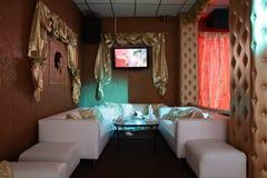 Interior europeu bonito do clube noturno fotografia de stock royalty free