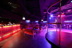 Interior europeu bonito do clube noturno imagem de stock royalty free