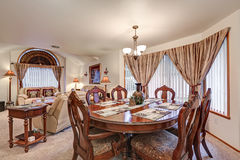 Interior formal hermoso de la cena y de la sala de estar Del noroeste, los E.E.U.U. Fotos de archivo libres de regalías