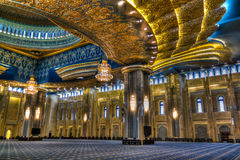 Interior grande da mesquita de Kuwait, a Cidade do Kuwait, Kuwait fotos de stock