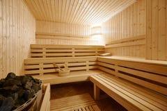 Interior grande de la sauna del Finlandia-estilo Foto de archivo libre de regalías
