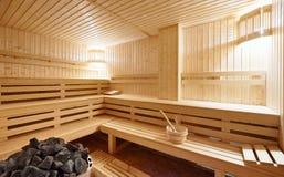 Interior grande de la sauna del Finlandia-estilo Imágenes de archivo libres de regalías
