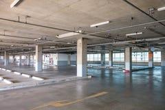 Interior grande do parque de estacionamento Imagem de Stock Royalty Free