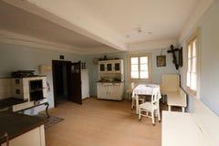 Interior histórico da casa pequena da cidade Imagem de Stock