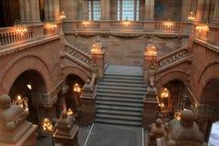 Interior impressionante, destacando a escadaria grande, construção do Capitólio do estado, Albany, NY, 2015 Fotos de Stock