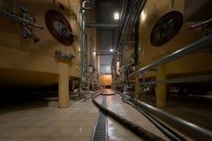 Interior industrial con los silos soldados con autógena Imágenes de archivo libres de regalías