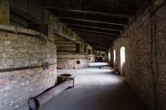 Interior industrial da construção velha da fábrica Fotos de Stock Royalty Free