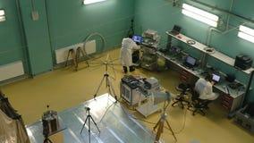 Interior industrial moderno do local de trabalho em Skolkovo Technopark filme