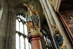 Interior Inglaterra da catedral de Canterbury imagem de stock royalty free