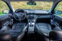 Interior lujoso alemán de la limusina - sedán, asientos de cuero Imagen de archivo libre de regalías
