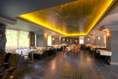 Interior lujoso del restaurante Fotos de archivo libres de regalías