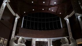 Interior luxuoso da entrada com estátuas recepção do hotel com estátuas Interior luxuoso da entrada Interior da entrada do hotel  Fotografia de Stock Royalty Free