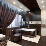 Interior luxuoso do banheiro imagem de stock