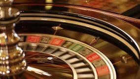 Interior luxuoso e à moda do casino europeu vídeos de arquivo