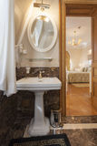 Interior of a luxury bathroom.  Royalty Free Stock Photography