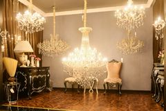 Luxury crystal lighting shop Royalty Free Stock Photography