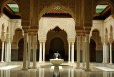 Interior marroquí de la configuración foto de archivo