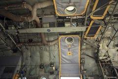 Interior militar del avión de transporte Imagen de archivo