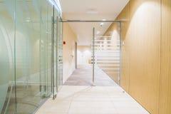 Interior minimalistic brillante de la oficina Fotografía de archivo libre de regalías
