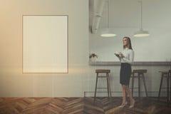 Interior moderno branco da barra, opinião dianteira do cartaz tonificada Fotos de Stock