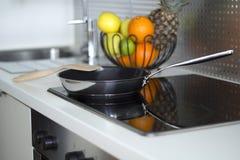 Interior moderno da cozinha Fotografia de Stock Royalty Free