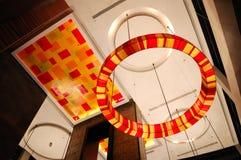 Interior moderno da entrada na iluminação da noite foto de stock royalty free