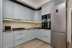 Interior moderno de la cocina Imagenes de archivo