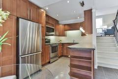 Interior moderno de la cocina Fotos de archivo