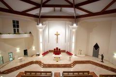 Interior moderno de la iglesia fotografía de archivo libre de regalías