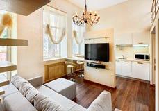 Interior moderno de la sala de estar del estilo del minimalism foto de archivo libre de regalías