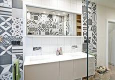 Interior moderno del cuarto de baño Foto de archivo libre de regalías