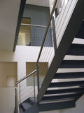 Interior moderno del edificio Imagenes de archivo