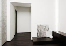 Interior moderno del pasillo del estilo del minimalism fotos de archivo libres de regalías