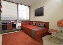 Interior moderno do apartamento fotografia de stock royalty free