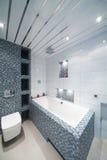Interior moderno do banheiro do estilo do minimalismo Imagens de Stock