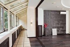 Interior moderno do estúdio e do balcão (galeria) imagem de stock royalty free