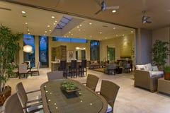 Interior moderno e espaçoso da casa Imagens de Stock