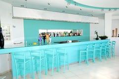 Interior moderno de la barra en el hotel de lujo Imagenes de archivo