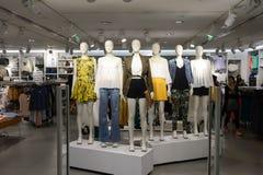 Interior novo do shopping da plaza da cidade Fotografia de Stock