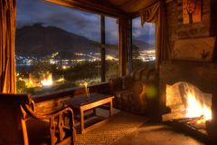 Free Interior Of A Cozy Cabin Great A Great Night View Royalty Free Stock Photos - 153577598