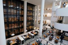 Free Interior Of The British Library, Including A View Of The King's Library Tower Royalty Free Stock Photo - 195675855