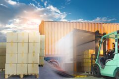 Free Interior Of Warehouse Dock, Large Pallet Shipment Goods, Truck Docking Load Cargo At Warehouse Stock Photography - 183173942