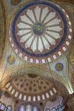 Interior ornamental de la mezquita azul Foto de archivo libre de regalías