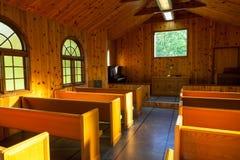 Interior pequeno da capela fotografia de stock
